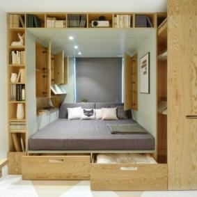 Выдвижные ящики под двухспальной кроватью