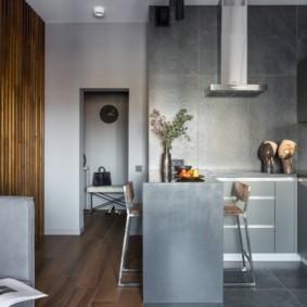 Серая мебель в кухонной зоне