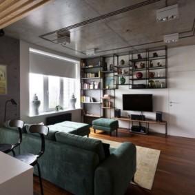 Открытые полки на стене комнаты в стиле лофт