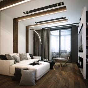 Деревянный пол в небольшой спальне
