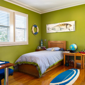 Зеленые стены в детской спальне