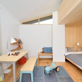 Детская кровать в нише стены