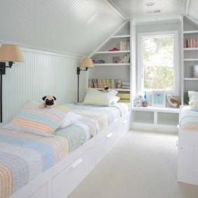 Небольшая комната для двоих детей