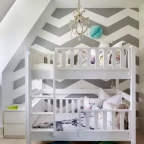 Геометрические рисунки на стенах детской комнаты