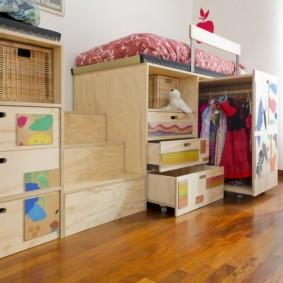 Фанерная мебель в детской комнате