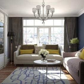 Два небольших дивана в гостиной современного стиля