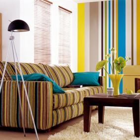 Полосатая обивка мягкой мебели