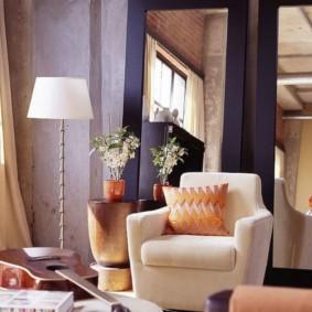 Серые стены современной гостиной