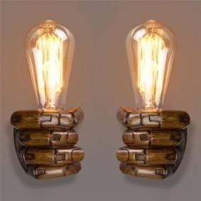 Настенные светильники с пальцами из дерева
