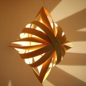 Дизайнерский ночник из древесного шпона