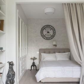 Спальное место в однокомнатной квартире площадью 36 квадратов