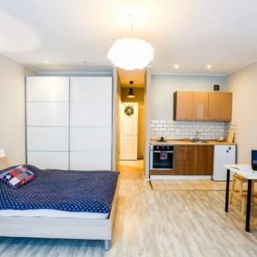 Светлая квартира с низким потолком