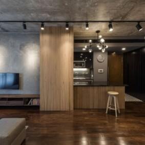 Софиты на серой поверхности бетонного потолка