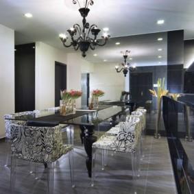 Стеклянный стол в столовой стиля арт-деко