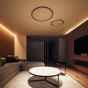 Романтическая подсветка потолка гостиной