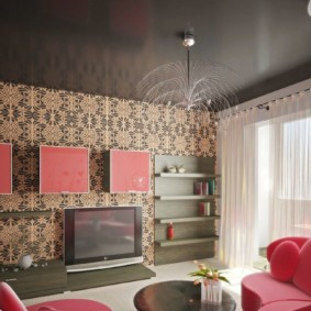 Красный цвет в роли акцентов интерьера гостиной