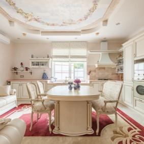 Светлая кухня-гостиная в стиле прованс