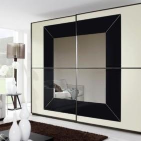 Дизайн просторного зала со шкафом-купе