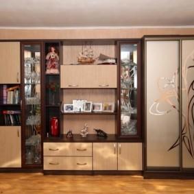 Пескоструйный рисунок на дверцах мебели