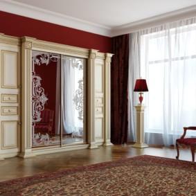 Шкаф купе для гостиной в стиле классика