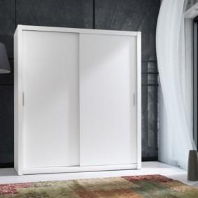 Белый шкаф для зала в стиле минимализм