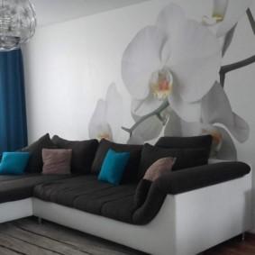 Декор фотообоями стены в светлой гостиной