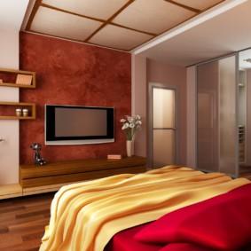 Раздвижные двери между спальней и балконом