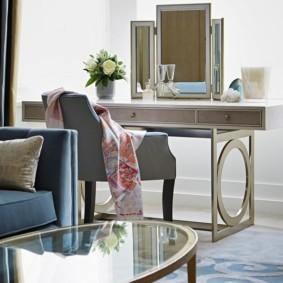 Журнальный столик в стиле модерн