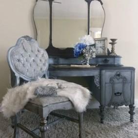 Деревянная мебель серого цвета