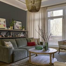 Крашенная стена серого цвета