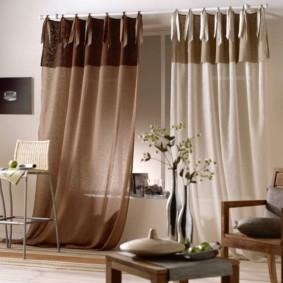 Коричневые шторы из легкой ткани