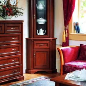 Деревянная мебель для зала в стиле классика