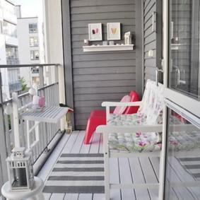 Дощатый пол открытого балкона
