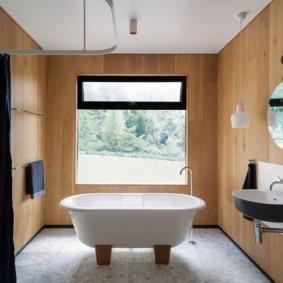 МДФ-панели на стене ванной комнаты
