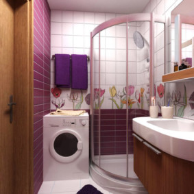 Стиральная машинка в ванной с душем