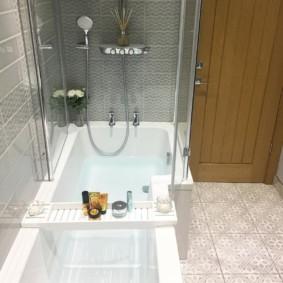 Ванна с душем в панельном доме