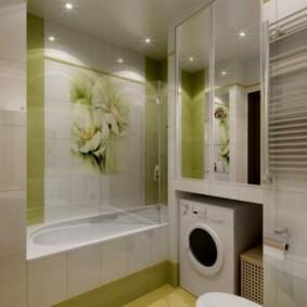 Стиральная машинка в нише ванной комнаты
