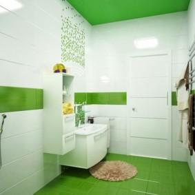 Ванная комната с полом зеленого цвета