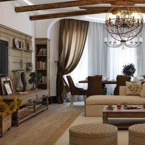 Декор деревянными балками потолка в зале