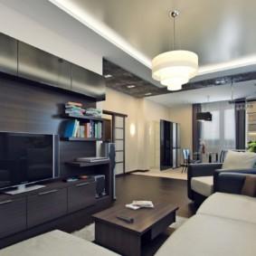 Двухуровневый потолок зала в квартире