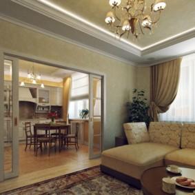 Раздвижные двери в гостиной двухкомнатной квартиры