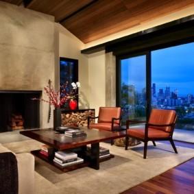 Интерьер зала с панорамным окном