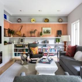 Уютная гостиная в трехкомнатной квартире