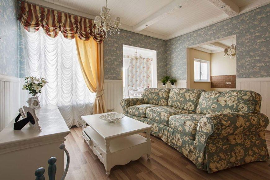 Французские шторы в гостиной прованского стиля