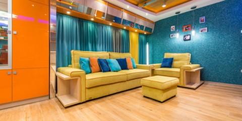 голубые жидкие обои для интерьера комнаты