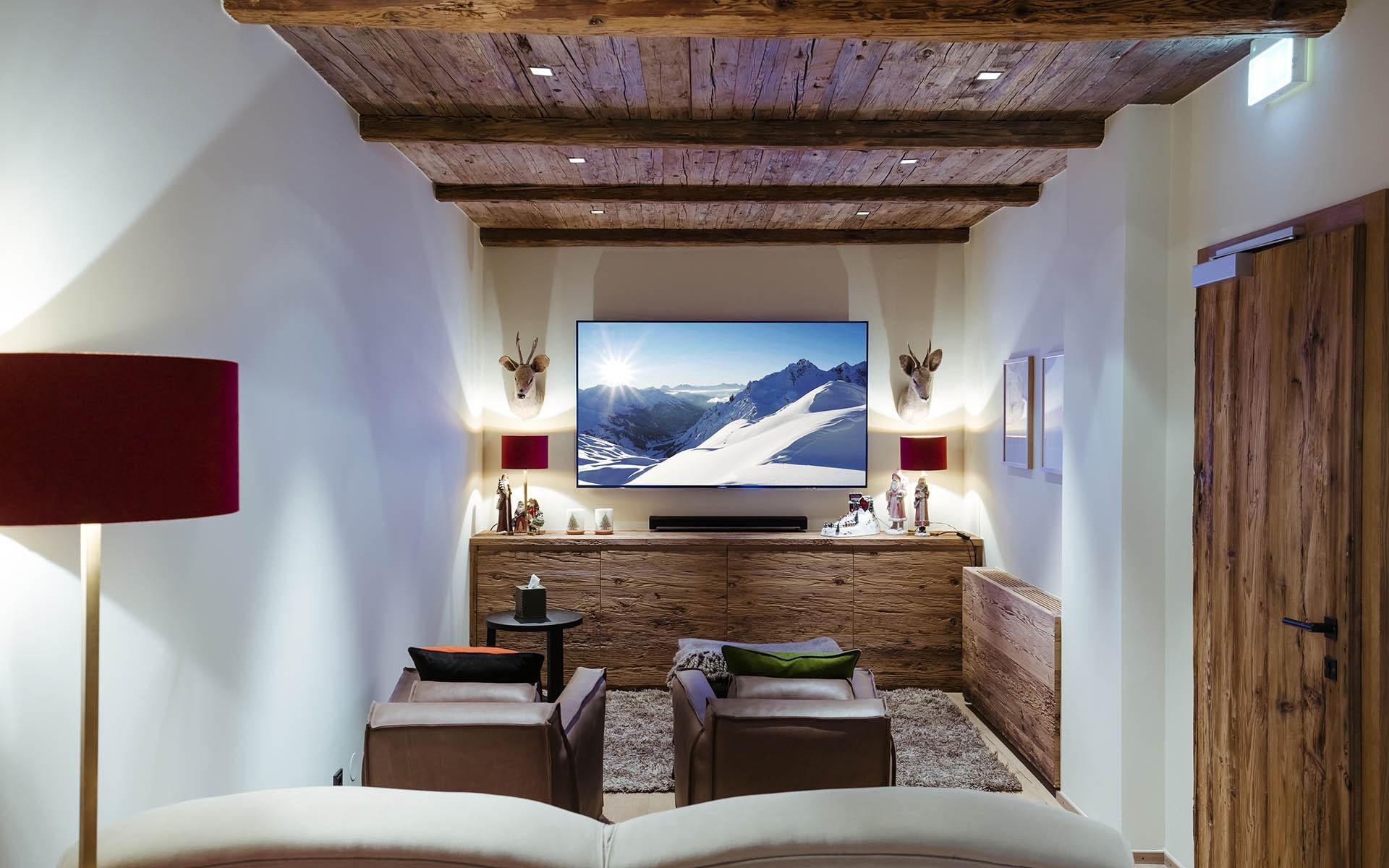 гостиная в стиле шале интерьер