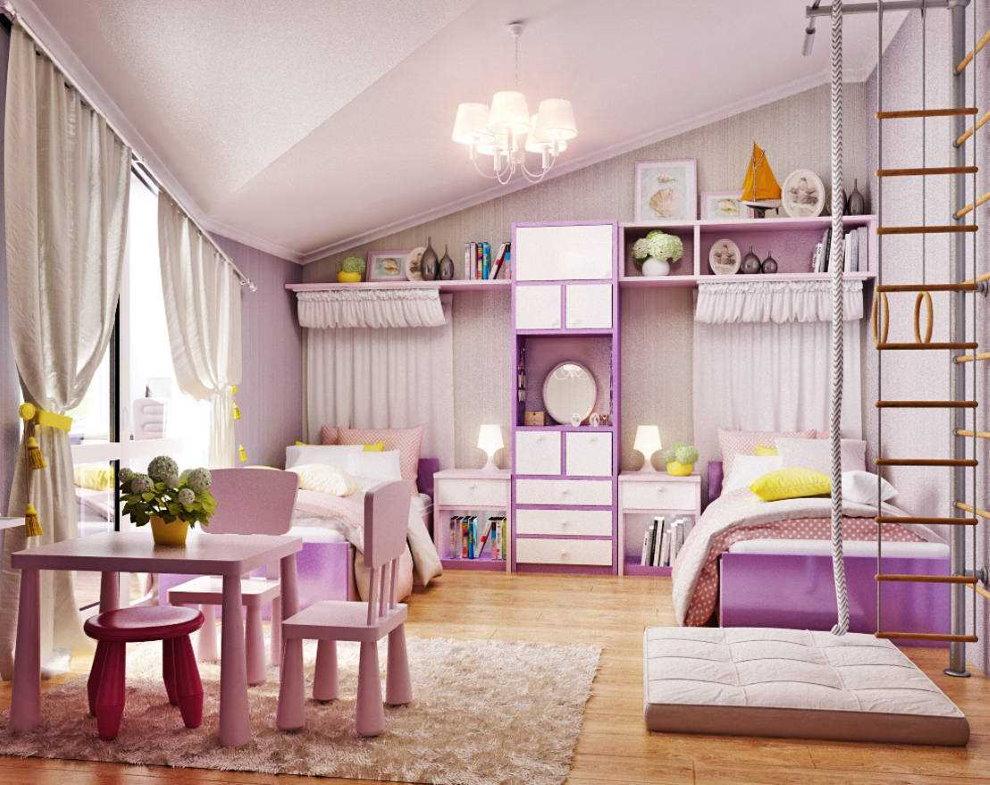 Столик для игр в детской комнате для девочек