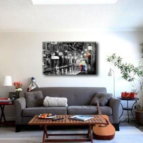 Прямой диван серого цвета