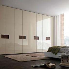 Лакированная мебель в гостиной хай тек