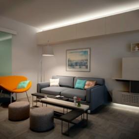 Декоративная подсветка потолка в гостиной комнате